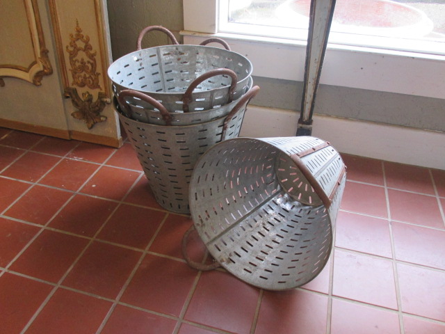 Metal Olive Basket